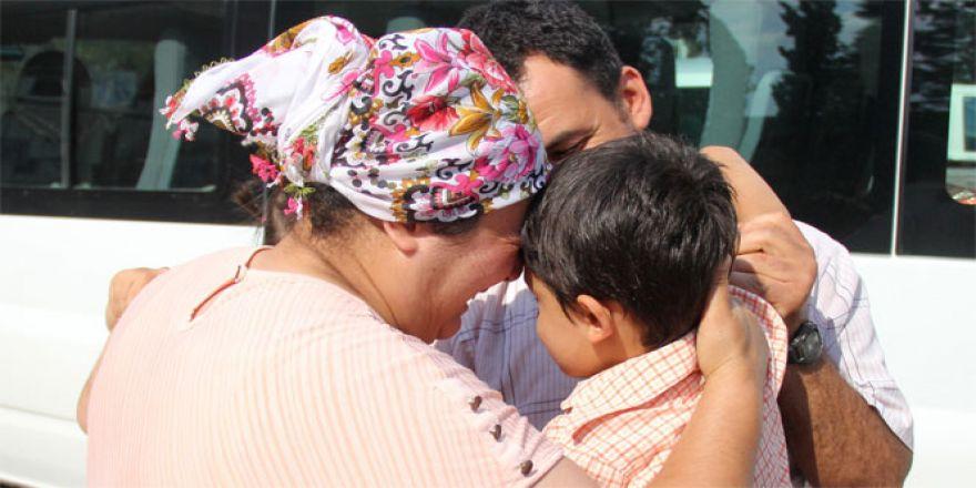 Kaybolan çocuk önce ağladı, sonra ağlattı