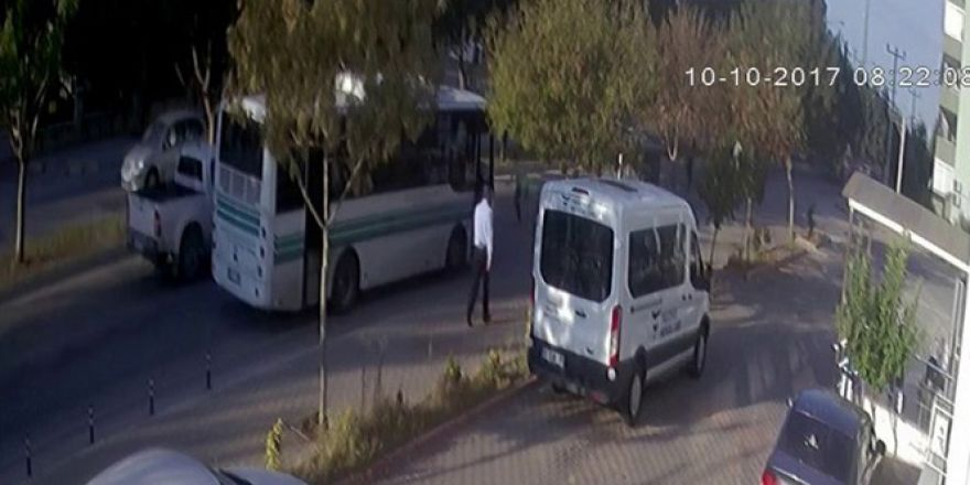 Öğrenci okul yolunda kazada öldü